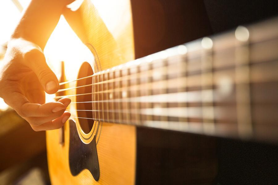 pengaruh lem kayu untuk gitar