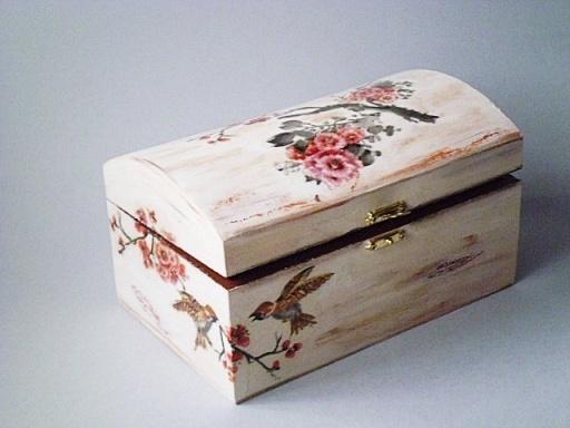 kotak kayu decoupage