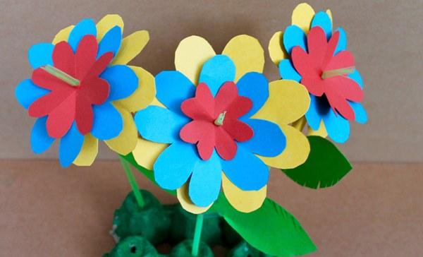 Kerajinan bunga kertas 3